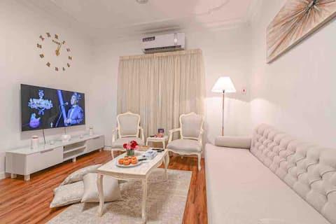 شقة جاكوزي دخول ذاتي غرفة وصالة