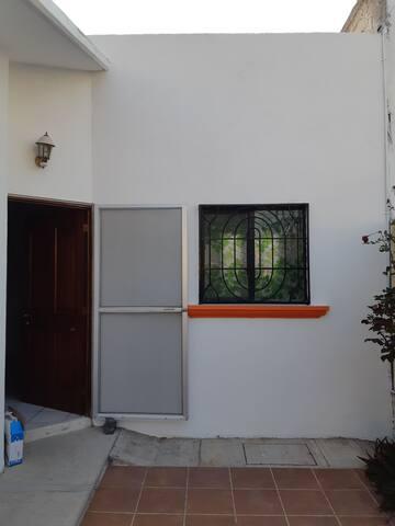 Hermosa casa en Zona Candiles, Qro.