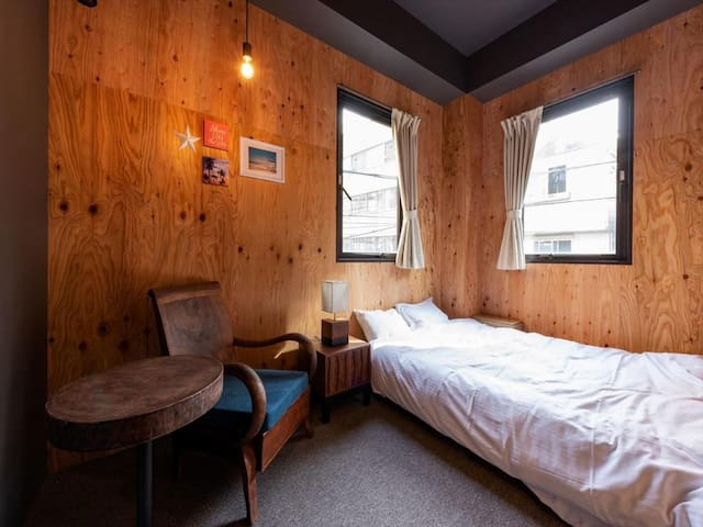 【4 minutes walk from Kuramae station】Large Double room (Wi-Fi · Kitchen)