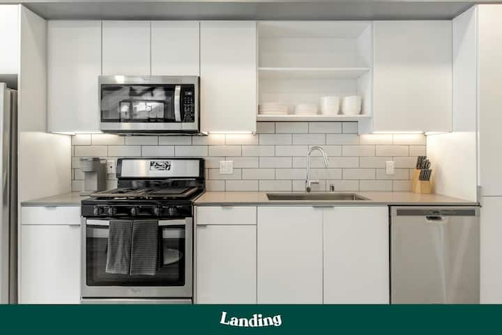 Landing | Modern Apartment with Amazing Amenities (ID3078)
