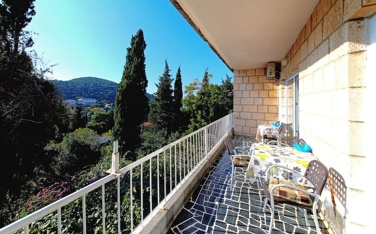 Villa Vala - Two Bedroom Apartment with Balcony