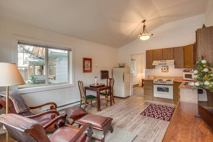 Bavarian Suites 1 bdrm/King Downtown Leavenworth