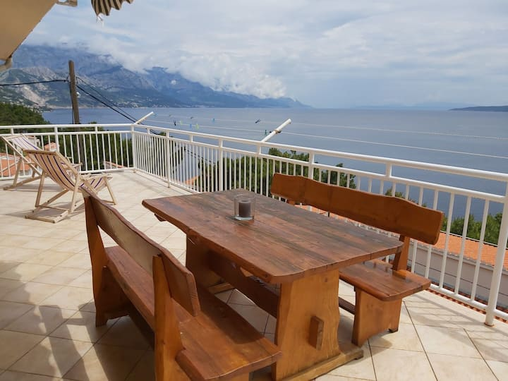 Beautiful apartment 80 m from the sea