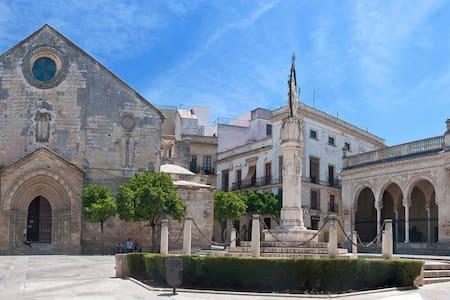 Apartamento nuevo en casco histórico de Jerez - Appartamento