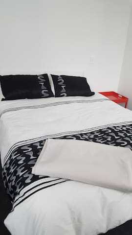 Private room, clean and comfortable - Lower Hutt - Pis
