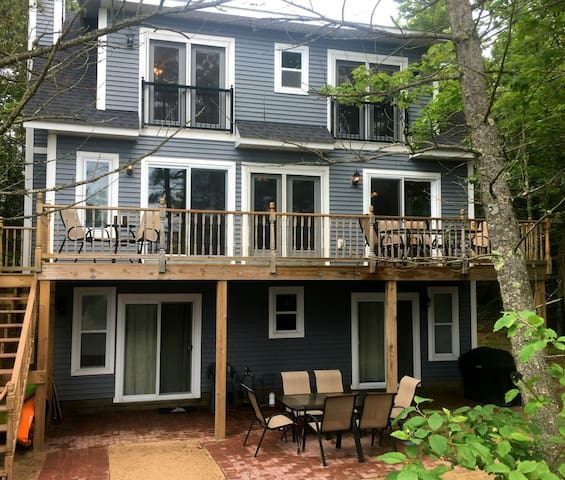 LAKE HOUSE OASIS (on Lake Michigan): On Lake Michigan, Sleeps 6, Pets welcome!