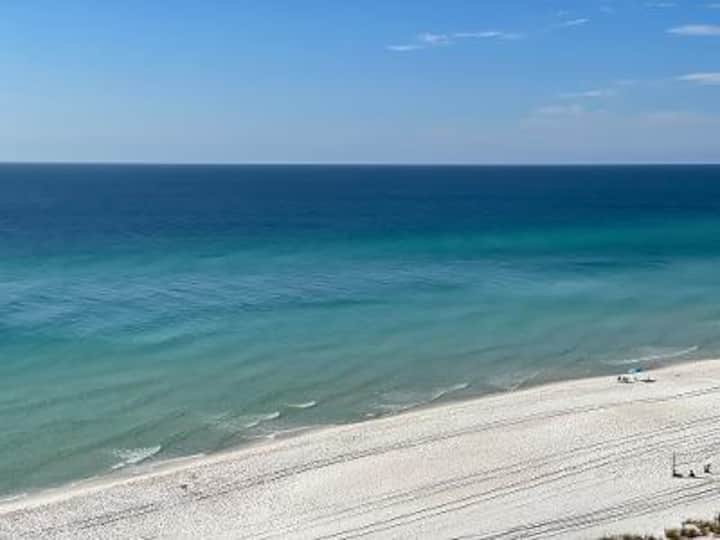 Beautiful Beachfront Condo in the Heart of Panama City Beach