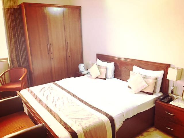 Excellent rooms at best prices in Greater Noida