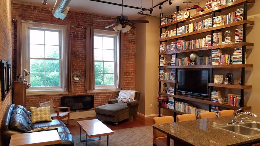 Historic Downtown Loft Apartment