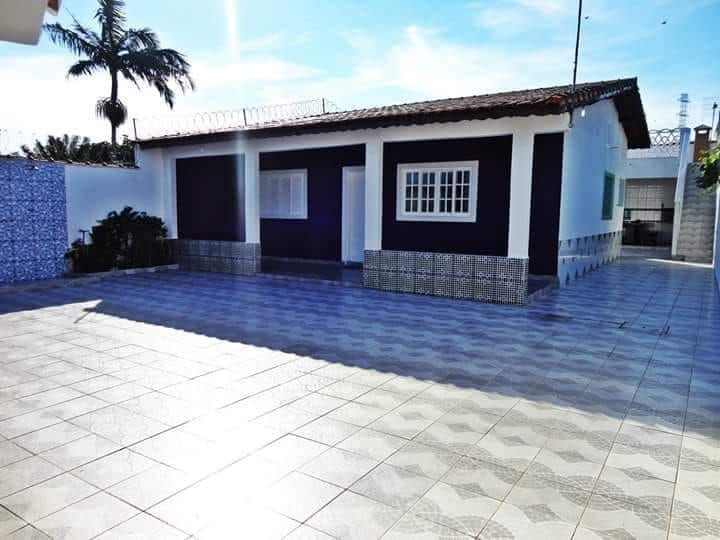 Casa na praia super aconchegante, pertinho do mar!