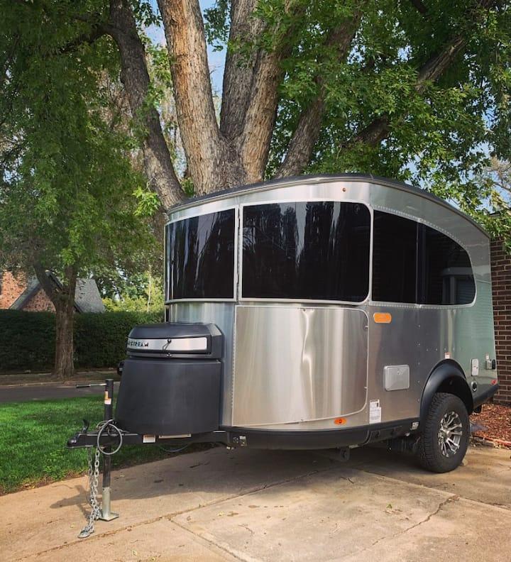Cozy Airstream Basecamp (w/yard) In Denver
