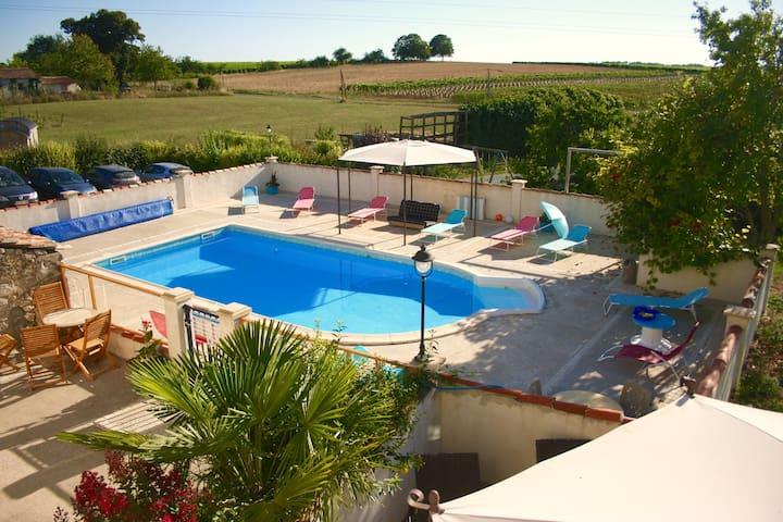 La Cour, 4/5 p, piscine chauffée - Fléac-sur-Seugne - Haus
