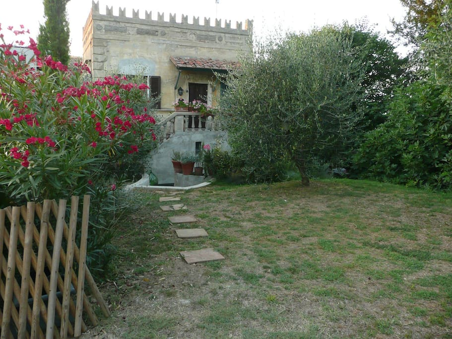 Use our inviting garden with it's 3 terraces, your private balcony. Enjoy oleanders, the olive trees, eat figues in august fresh from the 200 year old figue tree.