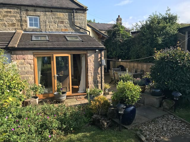 Gorgeous Country Cottage close to Harrogate