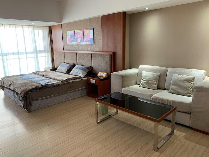 金翡丽豪华公寓/大床房/呼和浩特核心商业区中山路海亮广场对面/地铁一二号线附近