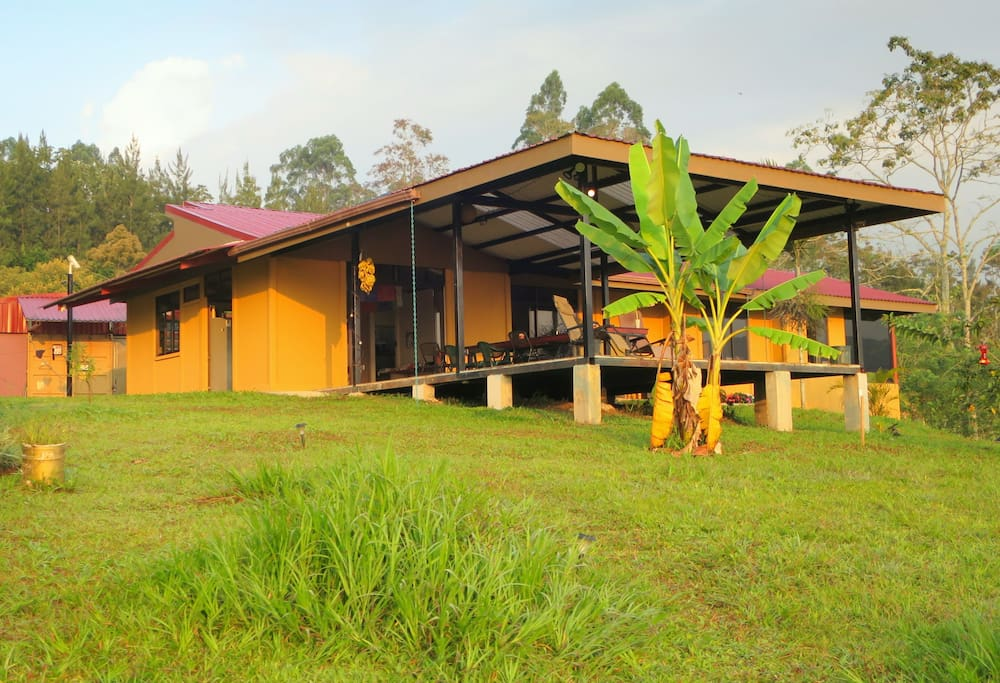 Casa cascadia for nature lovers houses for rent in for Costa rica rental houses