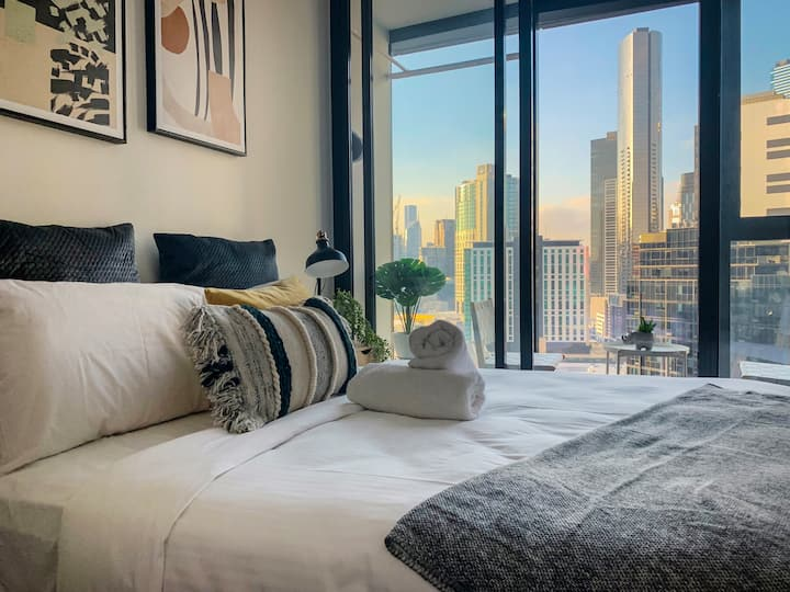 Designer Apt at Southbank, close to Crown and MCEC