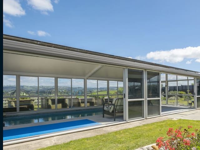 Seaview Holiday Villa With Heated Pool  (03)