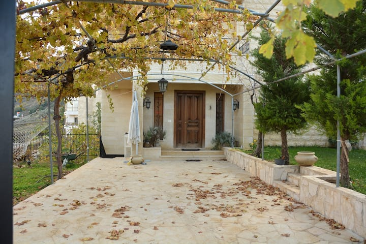 Beit Habib II- House with Garden