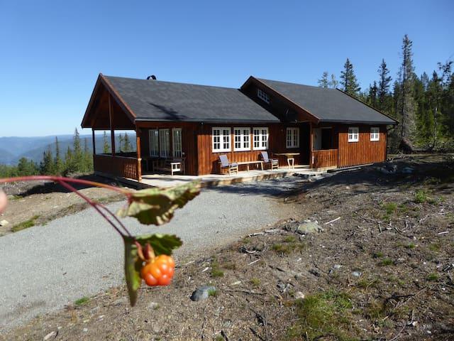 Ny hytte i flott turterreng
