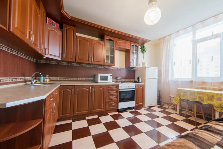 Квартира в новостройке на Салмышской, посуточно! - Orenburg - Apartment