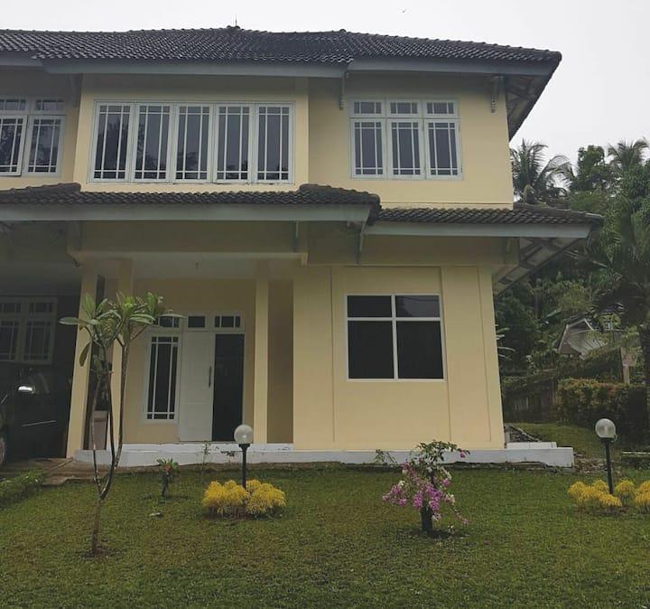 Ocean Front Modern Villa, Cimaja Beach - 2 Bedroom