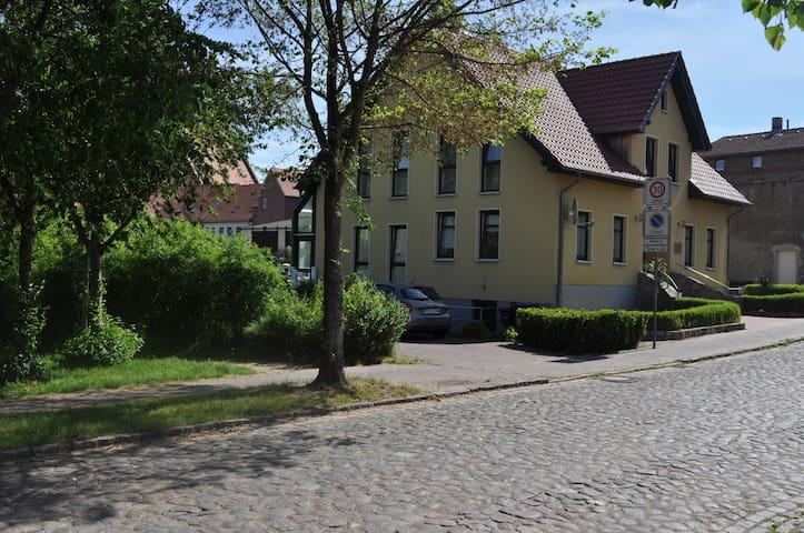 Neue, moderne Wohnung - im Herzen von Röbel