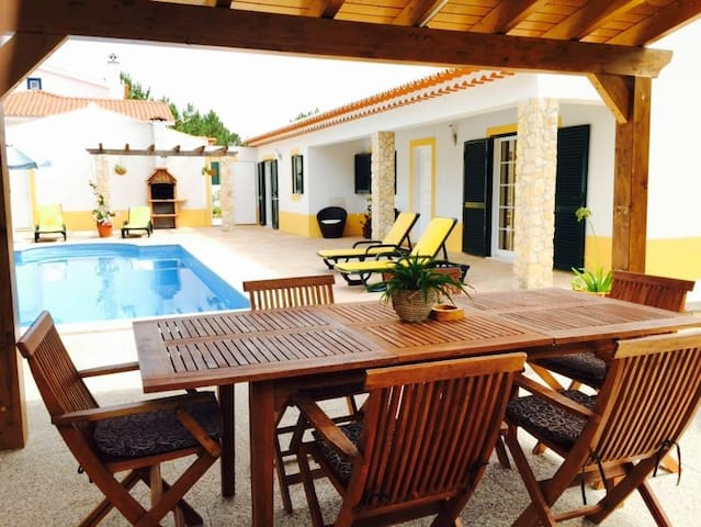Villa with Fireplace, Private Pool, Arrifana