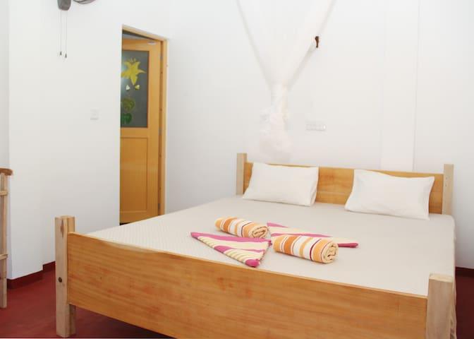 Pravindi guest Room-06
