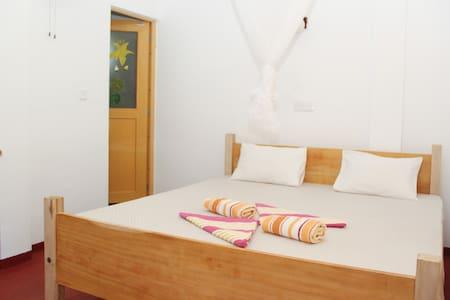 Pravindi guest Room-06 - mirissa
