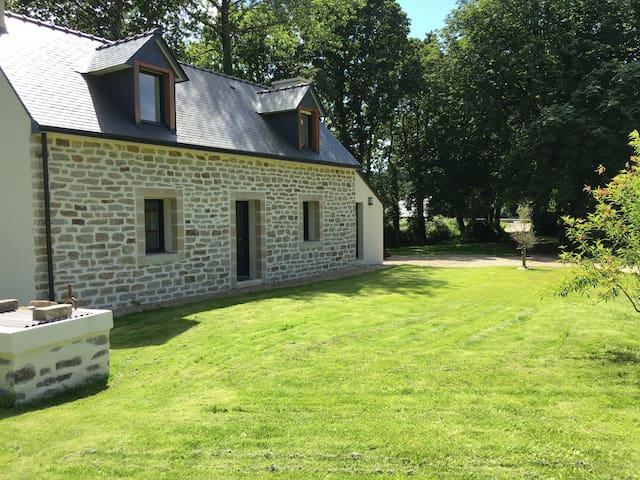 Maison de Charme entre Campagne et Mer - Plonévez-Porzay - Huis