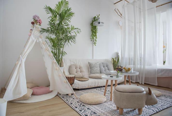 【White Room】艺术•家民宿自助入住市中心商业区高层公寓