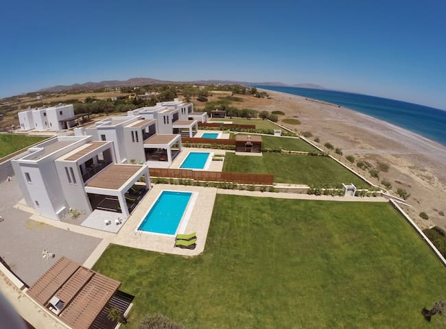 Rhodes Beach Villa with private Pool - Luxury ! - Rodos - Ev