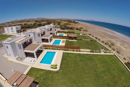 Rhodes Beach Villa with private Pool - Luxury ! - Rhodos - Haus