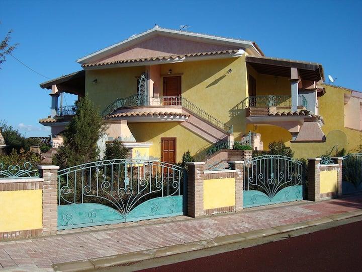 Case Vacanze I Pini Porto Pino da 600 mt dal mare