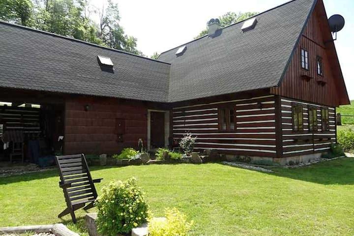 Gemütliches Ferienhaus mit Pool, böhmisch