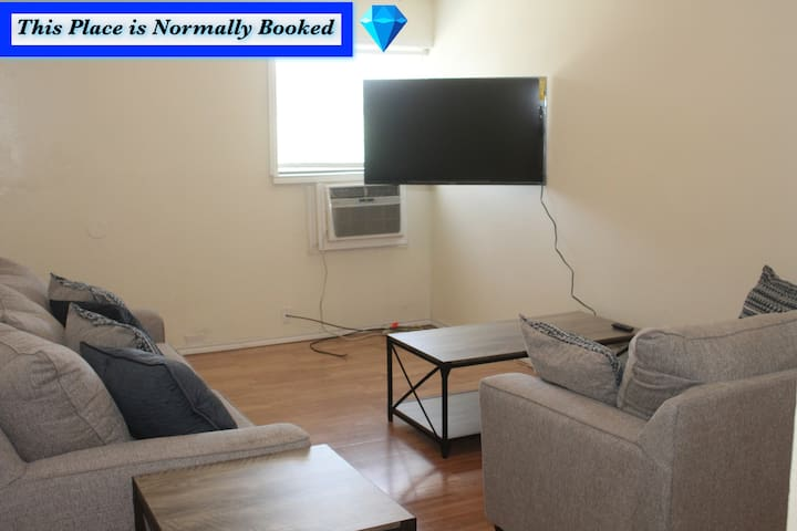 1 bedroom apartment within sight of Fort. Sill
