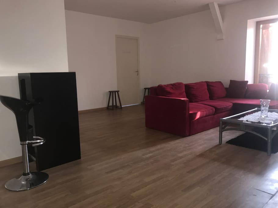 Appartement atypique apartments for rent in la celle sur for Achat appartement atypique ile de france