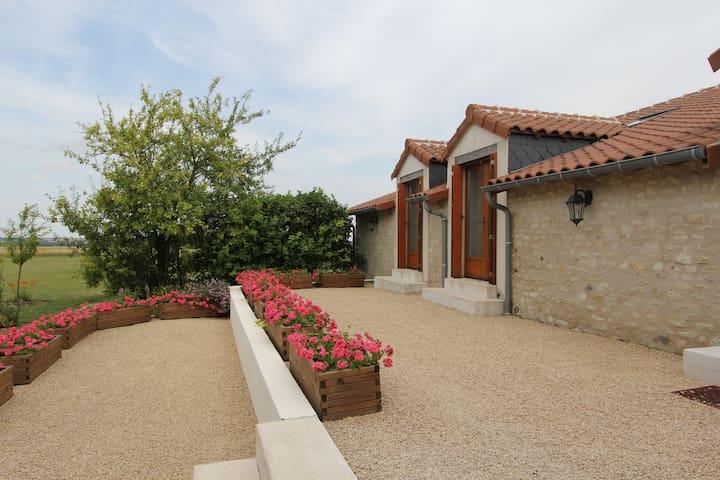 La Grange La Belle Indienne Serigny - Sérigny - Hus