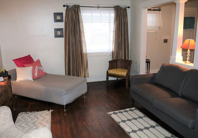 Stylish City Home 10 min to UofR,RIT,Eastman,Stron