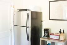Kitchen--full size fridge, gas stove, dishwasher