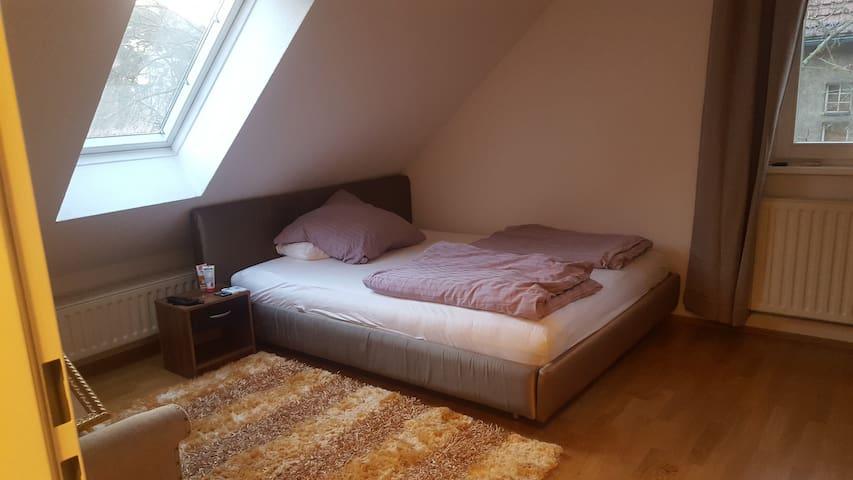 Schöne 2 Zimmerwohnung in Grunewald