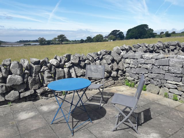 Comfy quiet room in seaside location near Galway