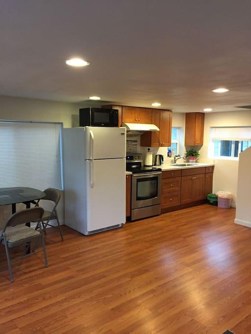 Accessory dwelling unit capanne in affitto a for Piani di casa di 1300 piedi quadrati 2 piani