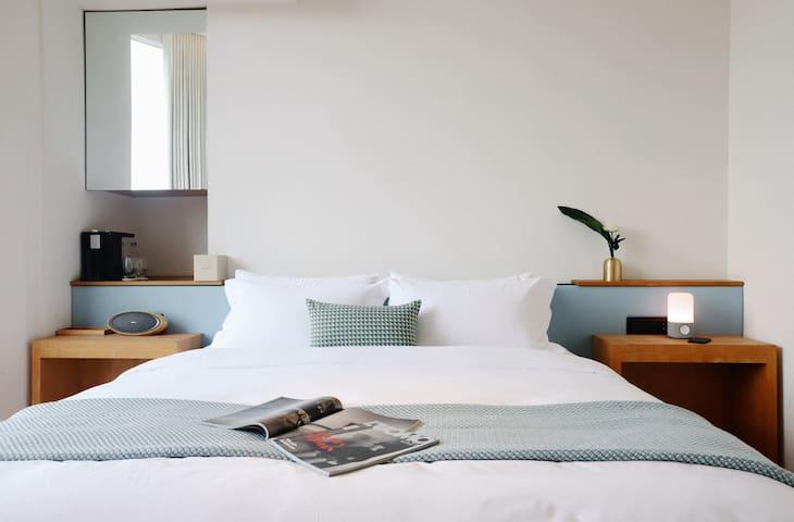 昆舍Quinsay 白鹭洲湖畔设计师公寓 |浅葱湖景房2802~近白鹭洲厦鼓码头中山路地铁1号