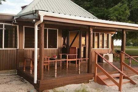 Heavens of Vuda Beachfront Cottage