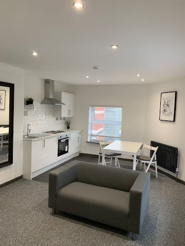 PENTHOUSE APARTMENT IN ST HELENS TOWN CENTRE