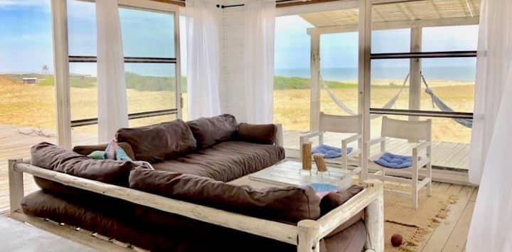 Casa Blanca, solo mar arena y sol.