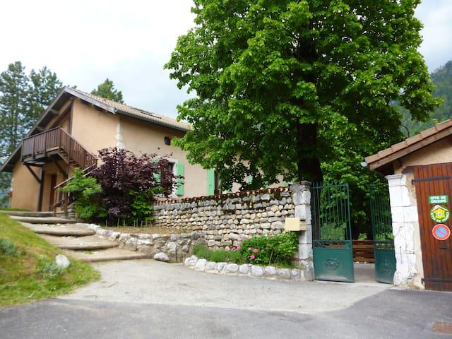 Gite 15 places en Vercors Drômois - Saint-Agnan-en-Vercors - House
