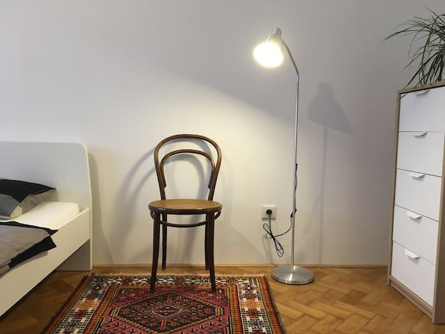 Great room, modern apartment, 100m vila Tugendhat! - Brno - Byt